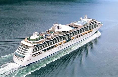 Royal Caribbean Cruise ship sailing